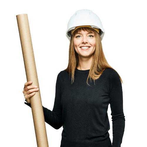 Femme avec casque de chantier et un plan